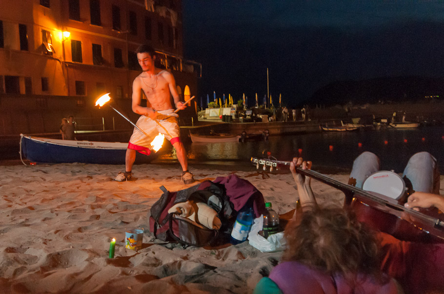 A Little Show Marks Beginning of Vernazza's Night Life