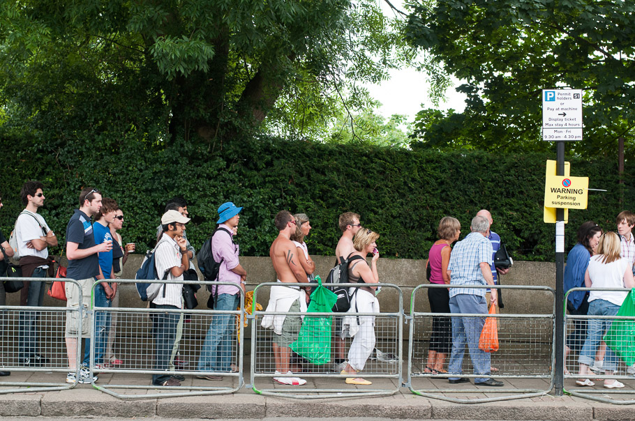 Line waiting to buy Wimbledon tickets